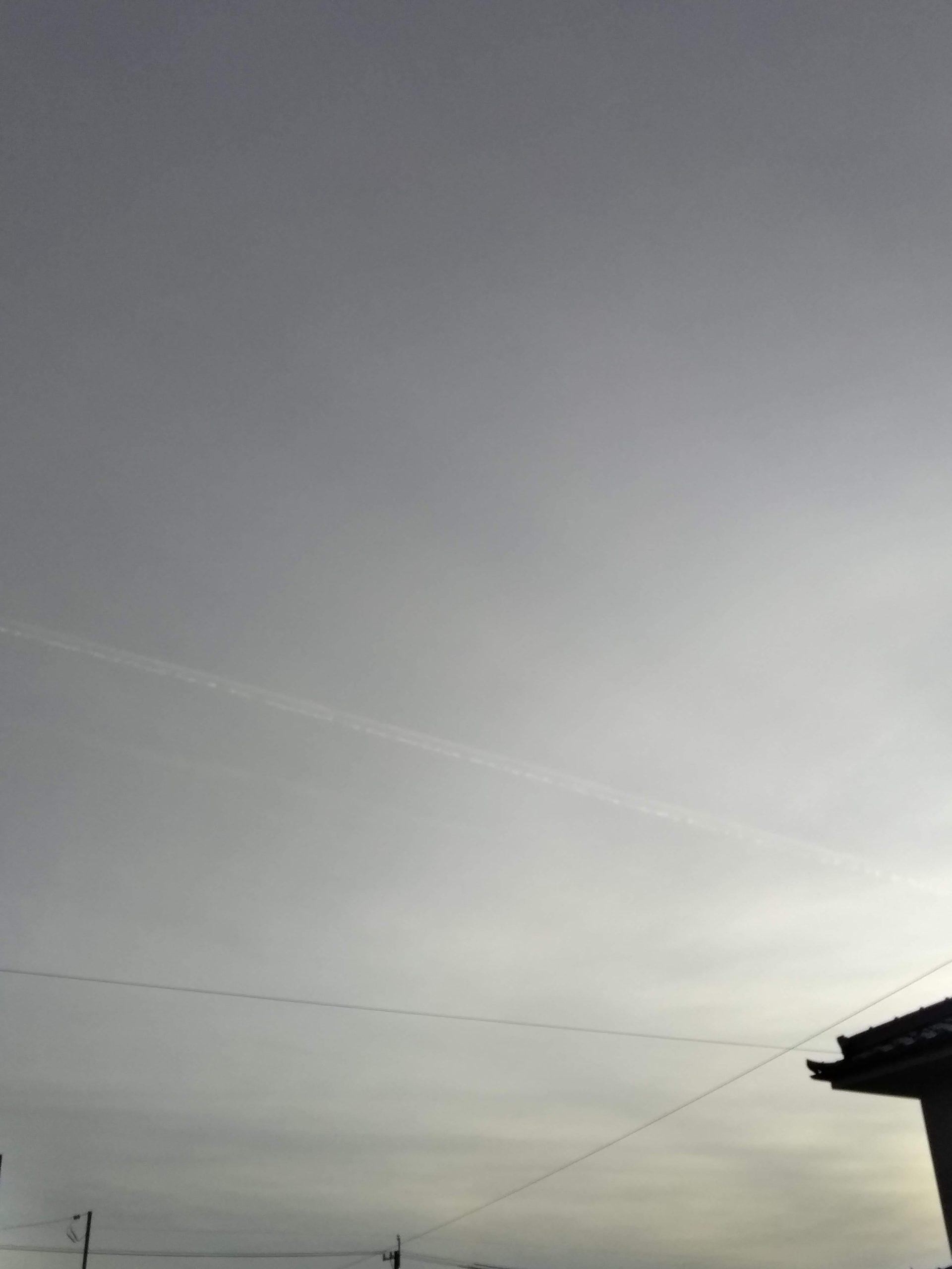 一筋の雲の写真